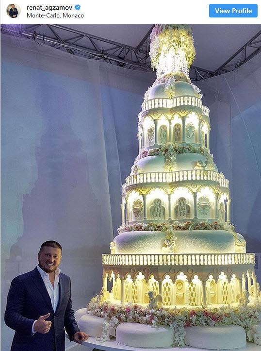 استعداد عجیب قهرمان بوکس در کیک پزی +فیلم و تصویر