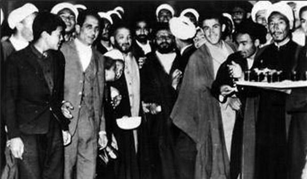 ماجرای ملاقات تاریخی علامه بلخی با امام خمینی (ره) در نجف + تصاویر