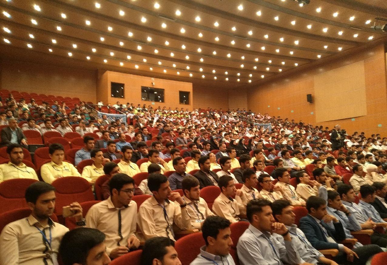 مراسم اختتامیه مسابقات قرآنی دانش آموزان کشور در زنجان