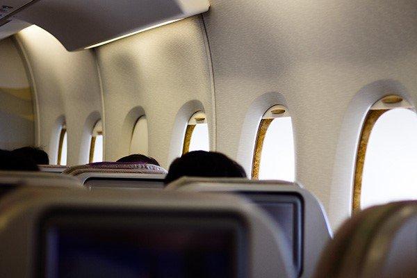 توسعه صنعت هوانوردی با رهاسازی قیمت / بلیت ۱.۲میلیونی کذب است