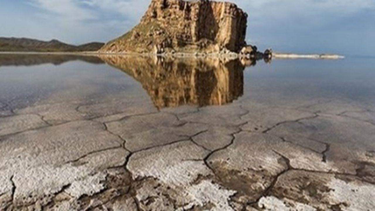 پر آبی دریاچه ارومیه نشان از حال خوب آن را می دهد
