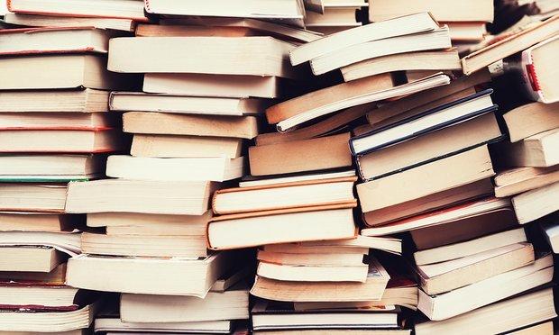 قاچاق کتاب