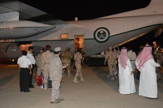 الجزیره: ۲۶۰ نظامی جزیره سقطری یمن را برای آموزشهای بیشتر به مقصد امارات ترک کردند
