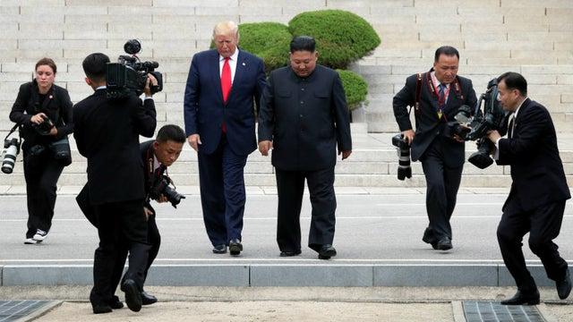 باشگاه خبرنگاران -تصویری از ترامپ و کیم جونگ اون بر دیوار کاخ سفید نصب شد