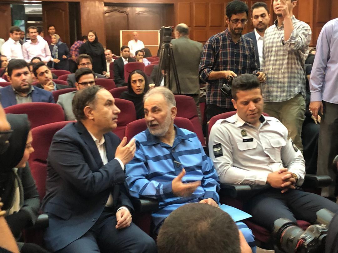 ماجرای عزل وکیل نجفی و صحبتهای در گوشی وکلا/ پسر میترا استاد در دادگاه حاضر شد + تصاویر