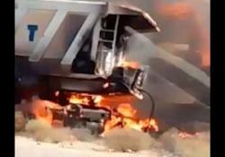 فیلمی از تصادف پژو 405 با تریلی در سیرجان - بندرعباس