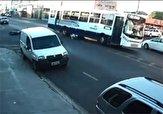 باشگاه خبرنگاران -عاقبت مرگبار تک چرخ زدن در فاصله ۳ متری اتوبوس + فیلم