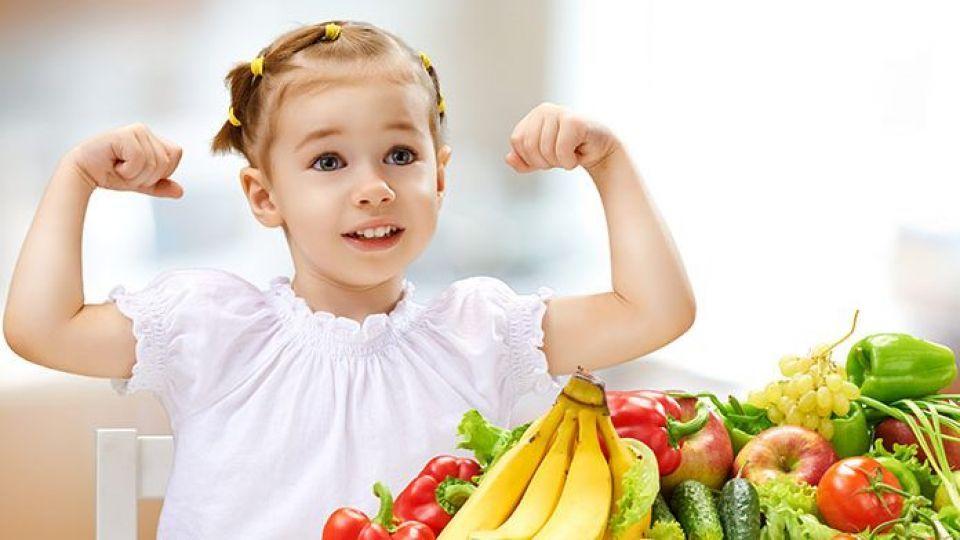 آنچه که والدین باید برای تغذیه سالم کودکان بدانند