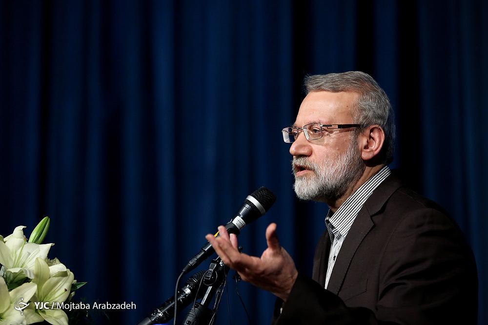 نباید دستگاه دیپلماسی کشور را وادار به اقدام عجولانه کرد/ لازمه زندگی با عزت ایرانیان، مقاومت است