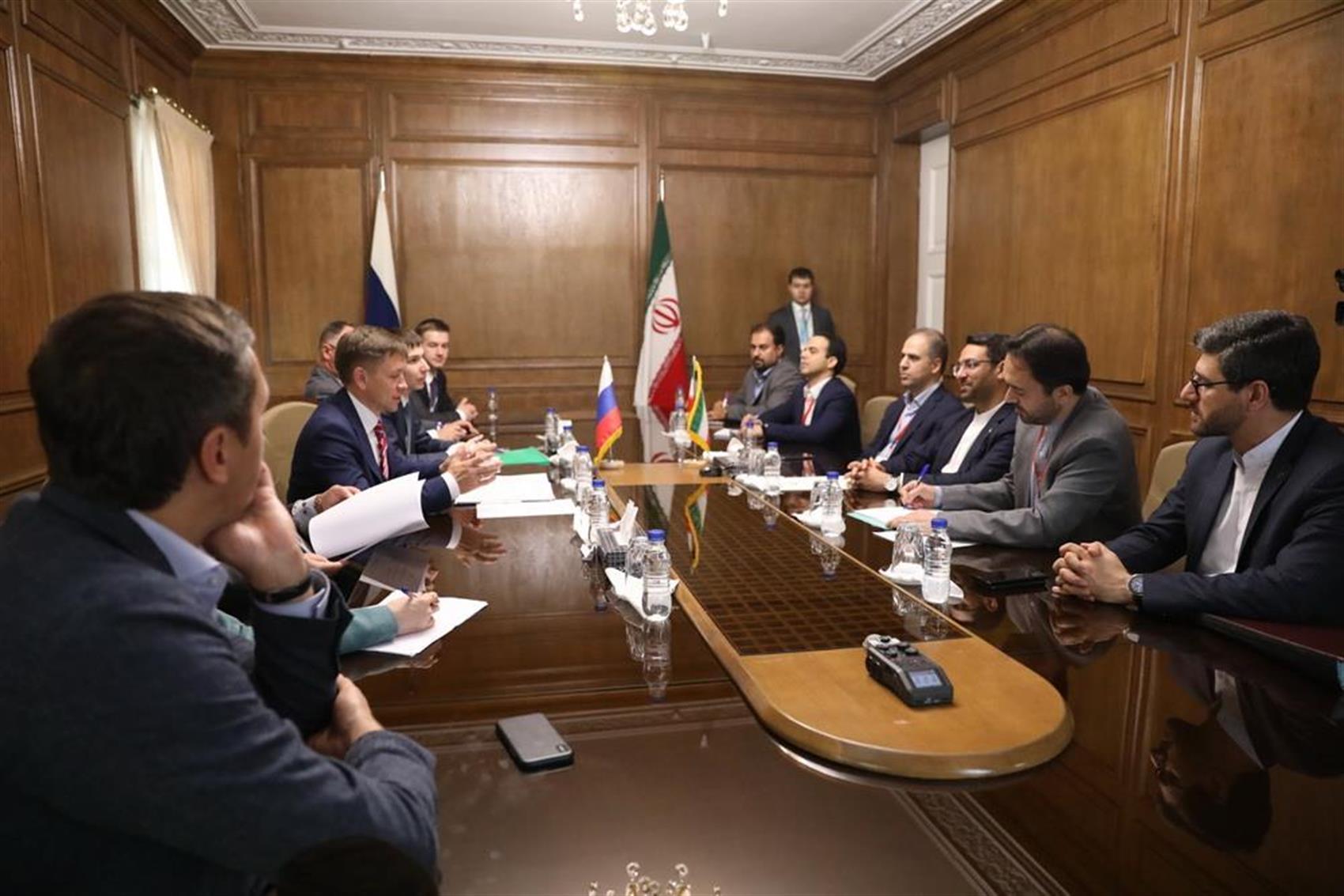علاقمندی شرکت های روسی برای سرمایه گذاری در ایران / ارایه بسته تجاری مشخص برای همکاری دو طرف در حوزه فناوری اطلاعات