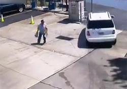 سقوط خودروی راننده زن به داخل دریاچه، عاقبت استفاده از گاز به جای ترمز + فیلم