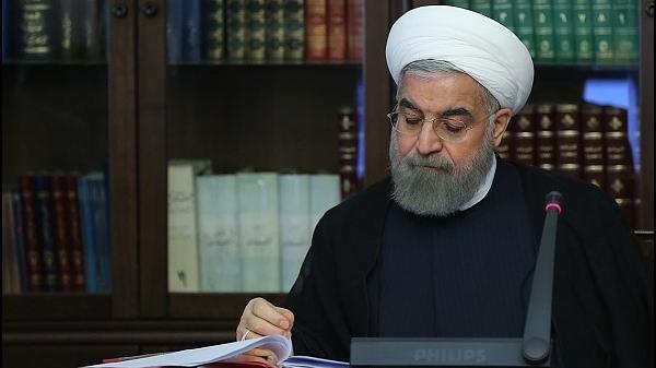 از پیشنهاد وزارت کشور به رئیس جمهور برای معیشت مرزنشینان تا مکالمه تلفنی ماکرون و روحانی