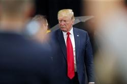 فرار ترامپ از پاسخگویی به ادعای سرنگونی پهپاد ایرانی/ جان تو بگو! +فیلم