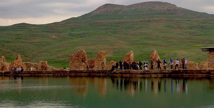 ملاقات با دریاچه رازآلود در سفر به سرزمین افسانهها