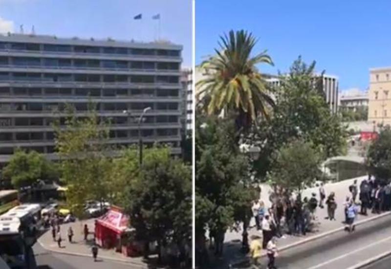 واکنش جالب مجریان تلویزیون به زلزله در برنامه زنده+فیلم
