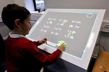 ۲۲ درصد مدارس هوشمند کشور هوشمند هستند/ معافیت مالیاتی برای شرکت های هوشمند کننده مدارس