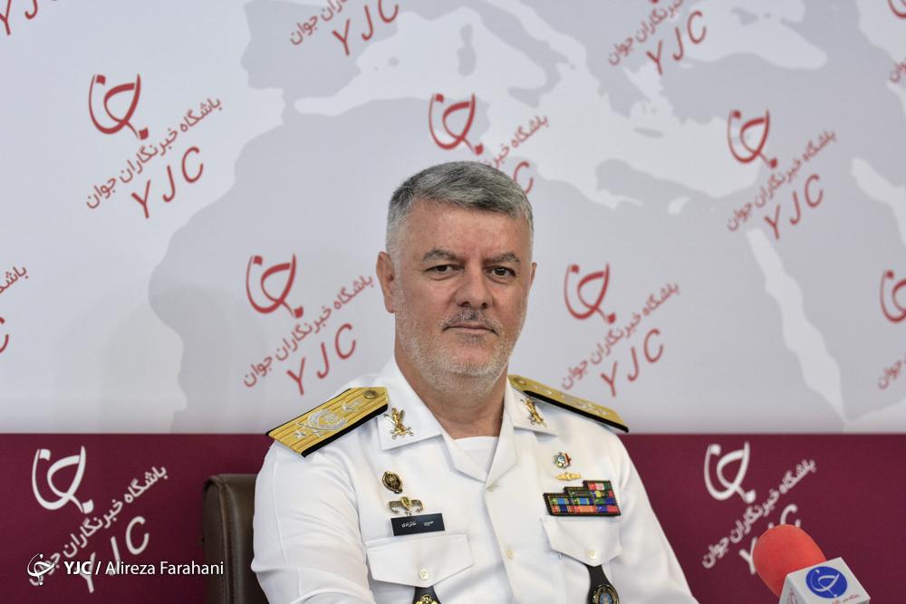 فرمانده نیروی دریایی ارتش از باشگاه خبرنگاران جوان بازدید کرد