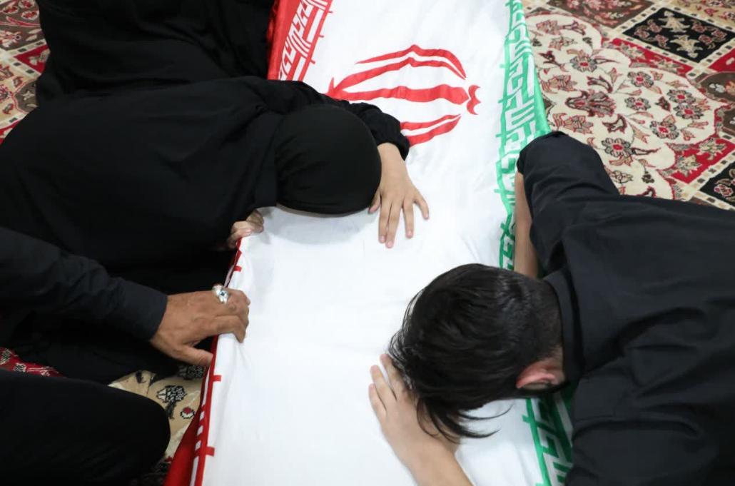 ورود پیکر مطهر شهید مدافع حرم ابوالفضل سرابیان به معراج شهدا +تصاویر