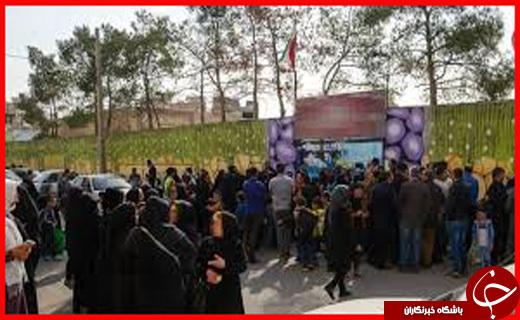 ورود نفتکش انگلیسی به لنگرگاه بندرعباس/ واقعیت ماجرای تجمع والدین دانش آموزان در یزد چه بود؟/ صدور دستور بازداشت مدیر یک تور گردشگری