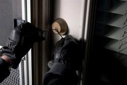 شیوههای عجیب سرقت منازل در پایتخت/ بیشتر سرقتها در چه ساعاتی رخ میدهد؟ + فیلم
