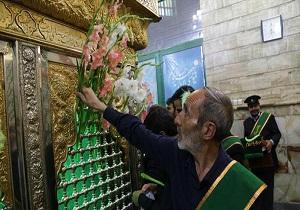 امامزاده جعفر شهید (ع)قم غبار روبی و عطرافشانی شد