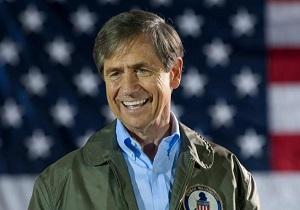دموکراتها یک نامزد دیگر برای انتخابات ۲۰۲۰ معرفی کردند