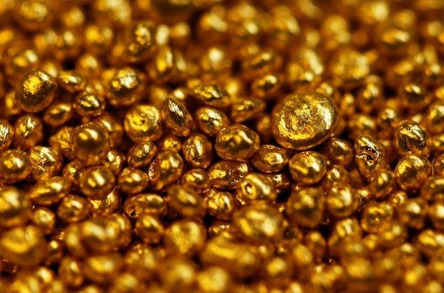نرخ طلا و سکه در سوم تیر ۹۸ / قیمت هر گرم طلای ۱۸ عیار ۴۳۶ هزار تومان شد + جدول