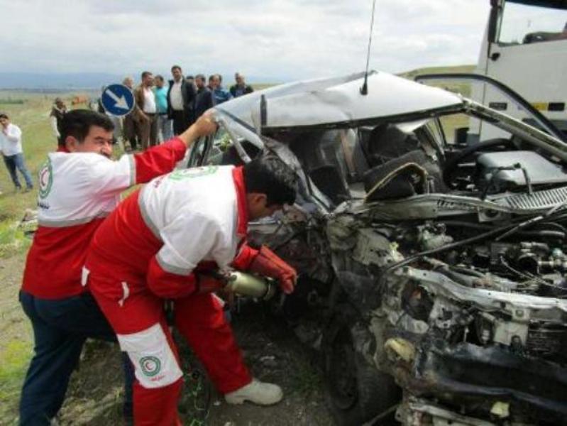 ۴ کشته در برخورد تریلر با خودروی پژو پارس در نهاوند