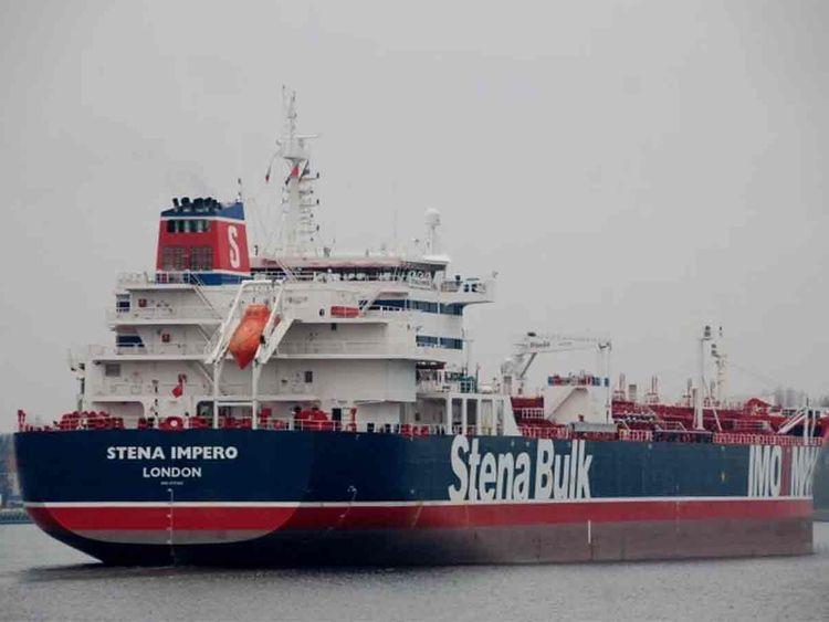 تاکید انگلیس بر کاهش تنش بر سر توقیف کشتیها