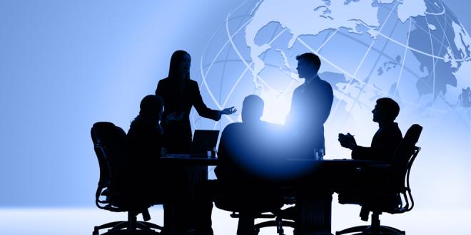 مدیران بزرگ چگونه کارکنانشان را ستایش یا توبیخ میکنند؟