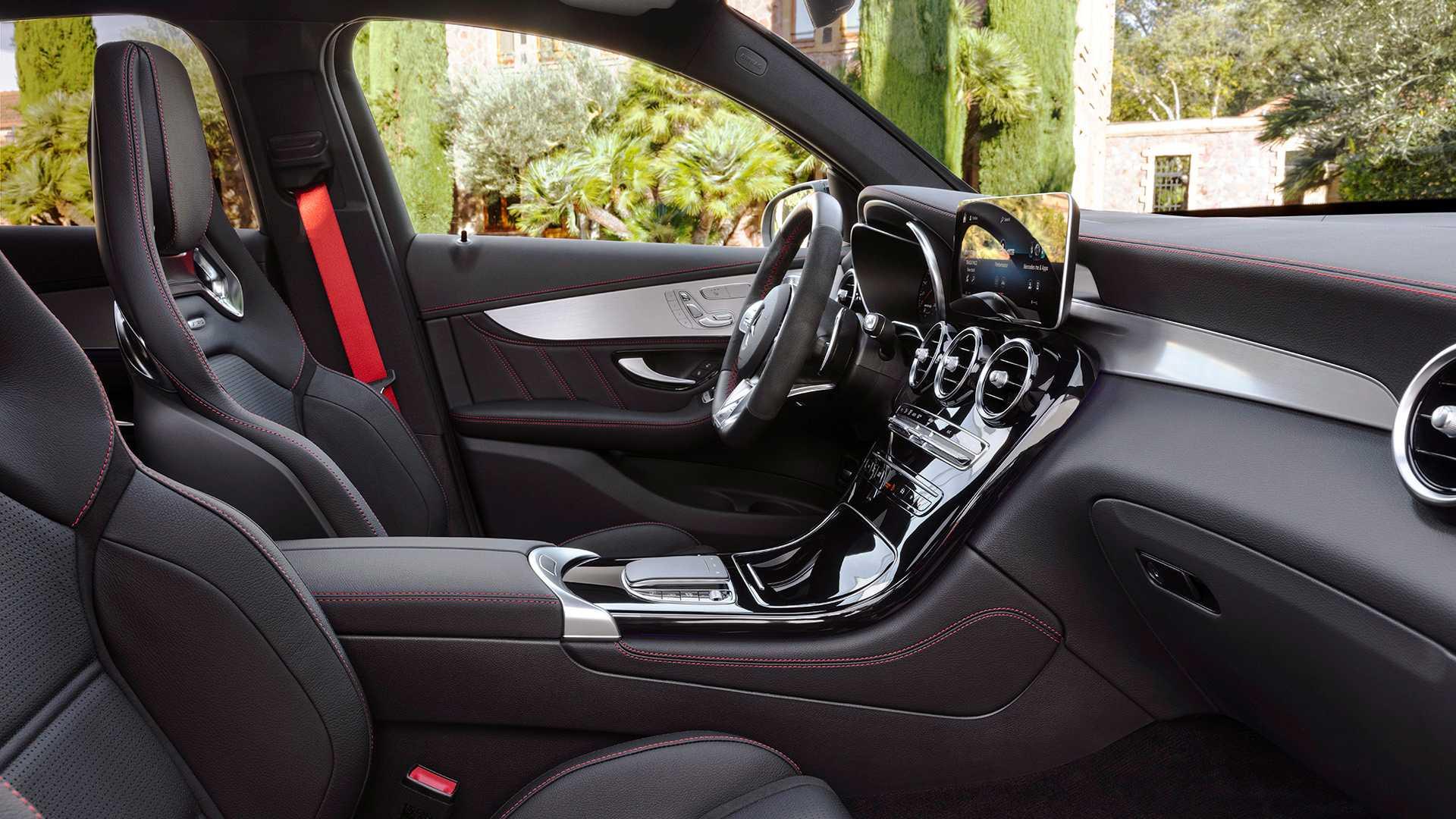 تلفیق جذابیت و قدرت در خودروی Mercedes-AMG GLC 2020 +تصاویر