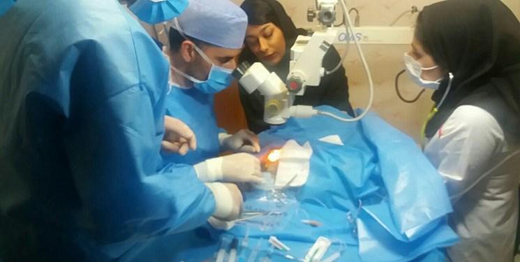 عمل جراحی کاتاراکت چشم خروس در تبریز