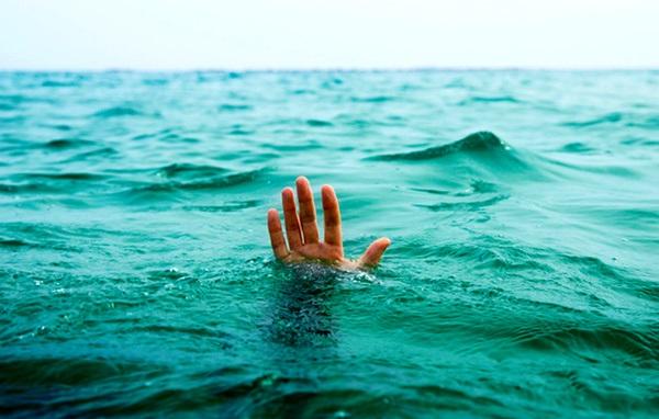 مرگ مشکوک نوجوان ۱۴ ساله در استخر شنا