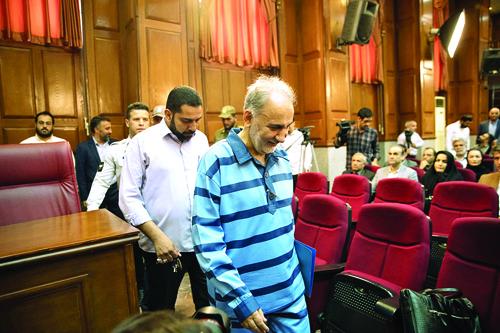 رمزگشایی از دلایل خونسردی اسرار آمیز محمدعلی نجفی در دادگاه