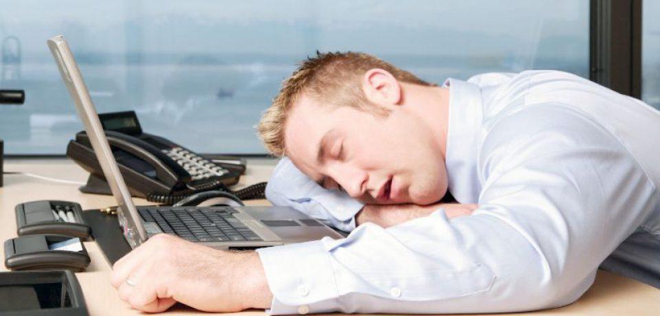 خبرنگار: دولتیاری/چرا بیخوابی به سراغمان میآید؟ + راهکارهای درمانی