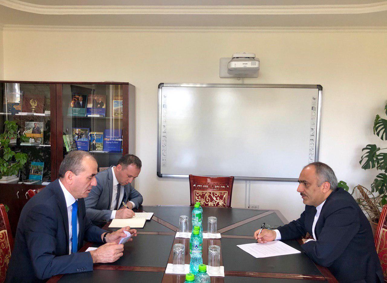 سفیر ایران با وزیر انرژی و آب تاجیکستان دیدار کرد