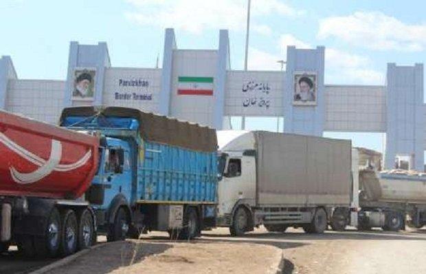 مبادلات مرزی بازاچه سومار به طور میانگین ۱۵۰ تا ۲۰۰ کامیون در روز است