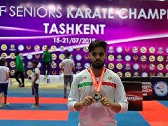 باشگاه خبرنگاران - کاراته کای کرمانی بر فراز آسیا ایستاد
