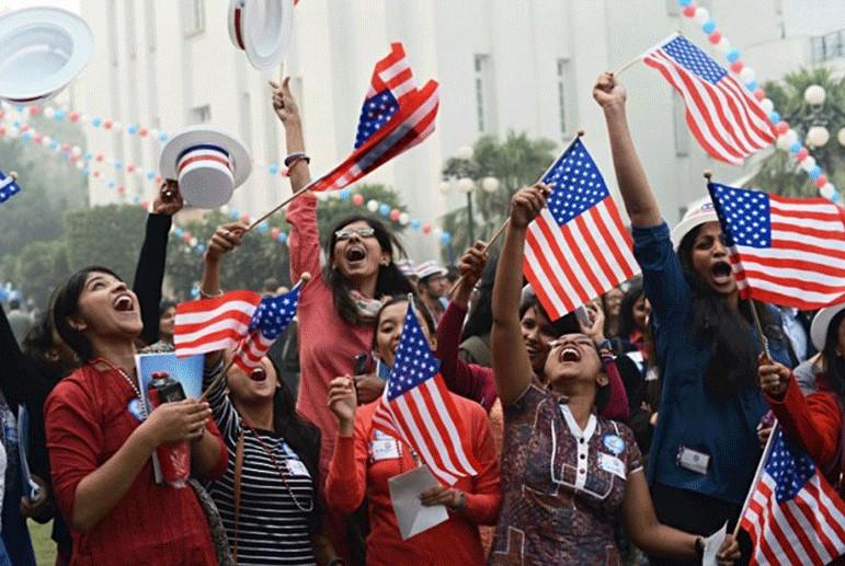 کاهش شدید تعداد افرادی در آمریکا که به آمریکایی بودن خود افتخار میکنند