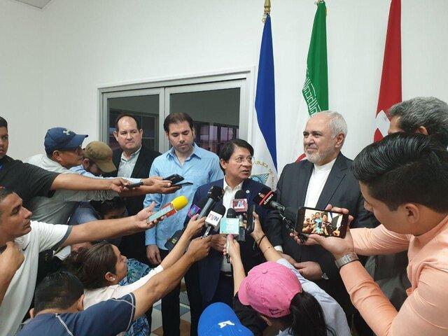 ظریف در ادامه تور آمریکای جنوبی خود وارد نیکاراگوئه شد
