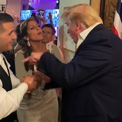 حضور غیرمنتظره ترامپ در یک مراسم عروسی+ تصاویر