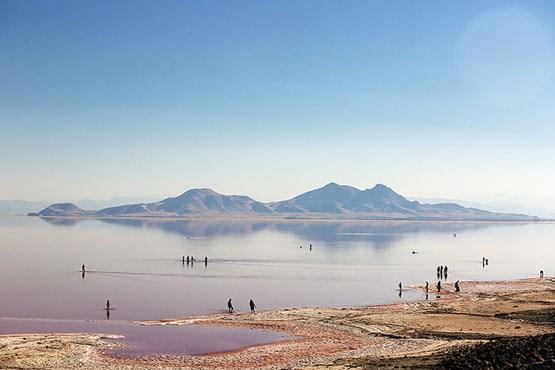 کاهش ۲۵ درصدی میزان آوردهای دریاچه ارومیه تا سال ۲۰۵۰ /انتقال آب از وان در حد مطالعات اولیه است