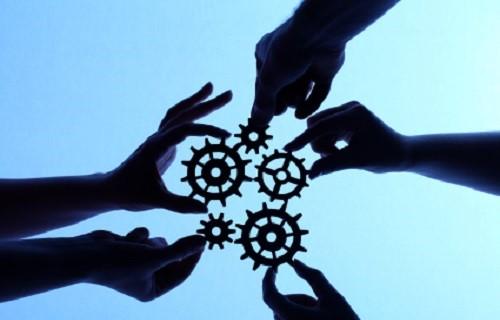 همکاری خودروسازان و شرکتهای دانش بنیان راه حمایت از تولید داخل
