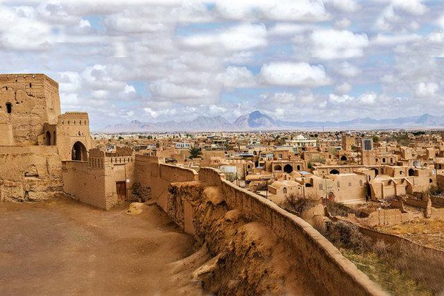 حکم توقف تخریب بافت تاریخی میبد صادر شد/ سازه تاریخی جدید در میبد کشف شد