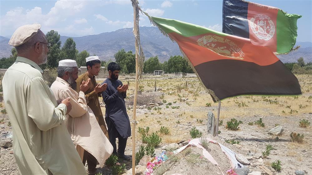 ماجرای سربازی که پس از اسارت و شهادت توسط تروریستها زنده شد! + عکس