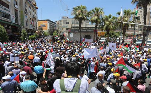 تظاهرات سراسری فلسطینیها در کرانه باختری و نوار غزه + تصاویر