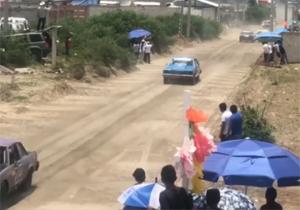 وقوع حادثهای وحشتناک در مسابقات اتومبیلرانی + فیلم