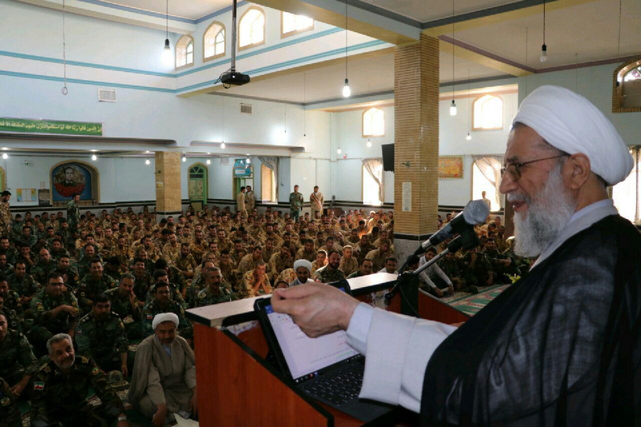 تکلیف انقلابی ملت ایران، مقاومت در برابر آمریکا است