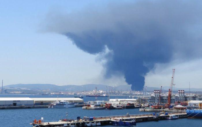 انفجار مهیب در پالایشگاه نفت اسپانیا
