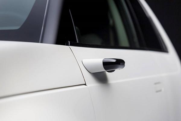 هوندا استفاده از دوربین را جایگزین آینهای کناری خودرو میکند